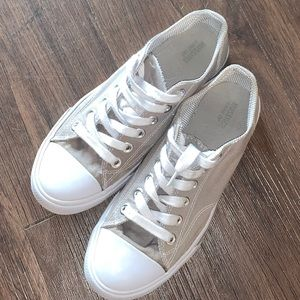 Grey size 7 shoes